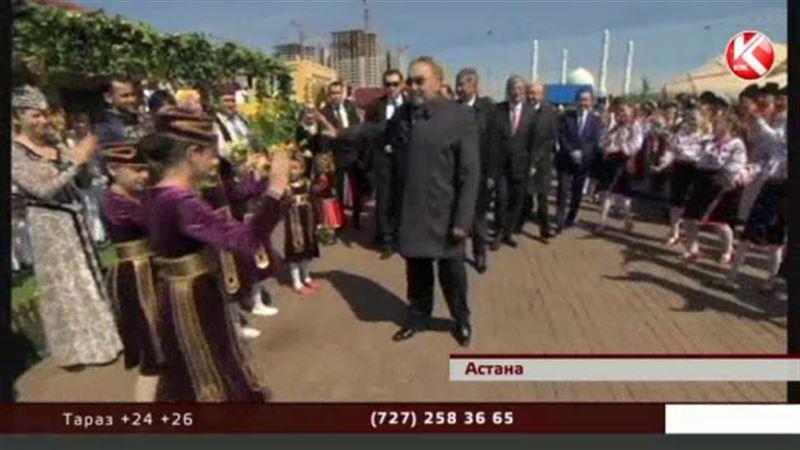 Назарбаев: «Когда люди живут спокойно, в мире и согласии – это есть настоящее счастье»