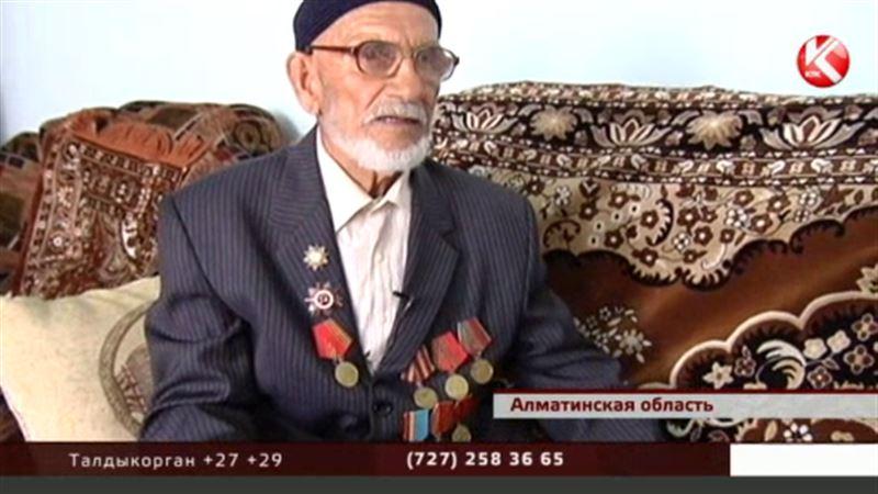 Ветеран-поэт из Алматы мечтает издать сборник своих стихов