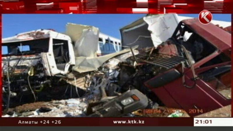 ЭКСКЛЮЗИВ: Солдаты МЧС попали в аварию, возвращаясь с парада