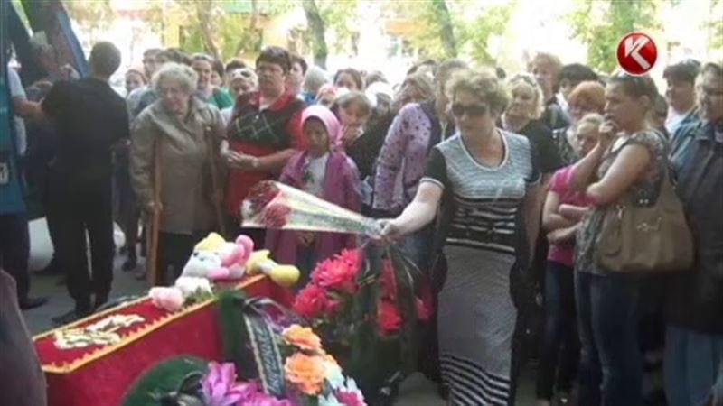 В Костанайской области похоронили семилетнюю Викторию Ганю