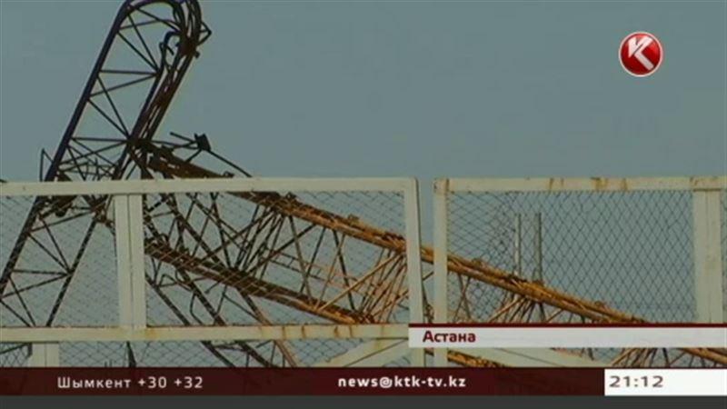 На астанинской стройке рухнул китайский башенный кран, крановщица погибла