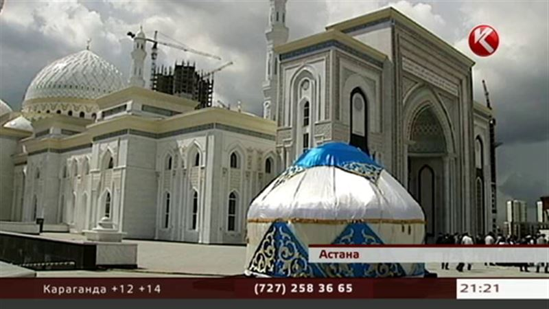 Мусульмане празднуют день окончания великого поста Ораза-айт