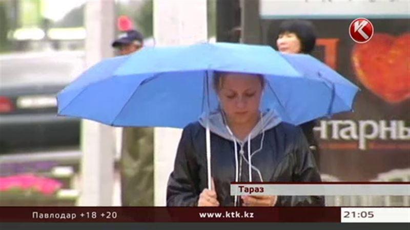 Проливные дожди обрушились на Казахстан