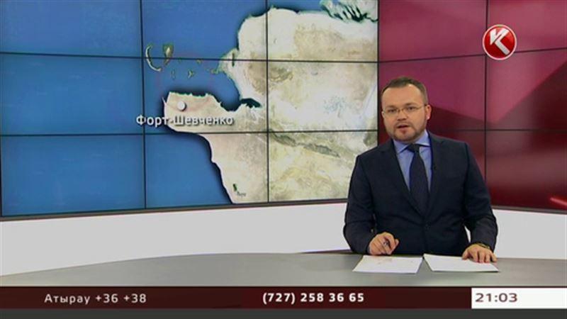 Самолет совершил аварийную посадку прямо в Каспийском море