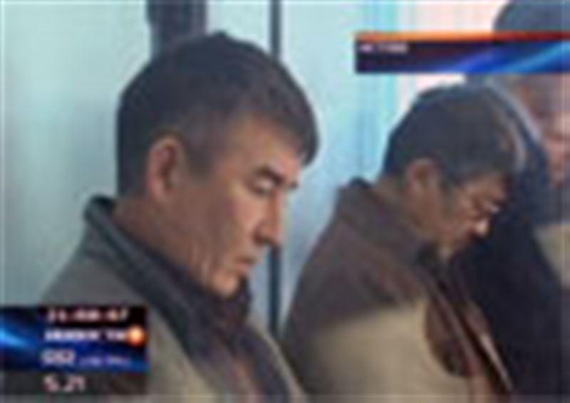 В Актобе сегодня осудили дальнобойщиков, которым удалось сбежать от узбекских пограничников