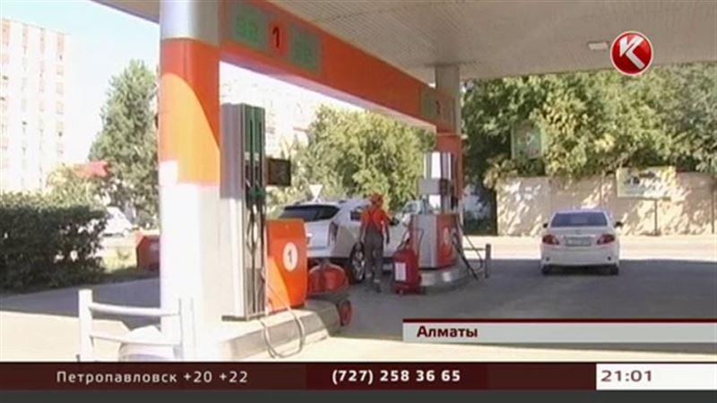 Дефицит бензина докатился до Алматы