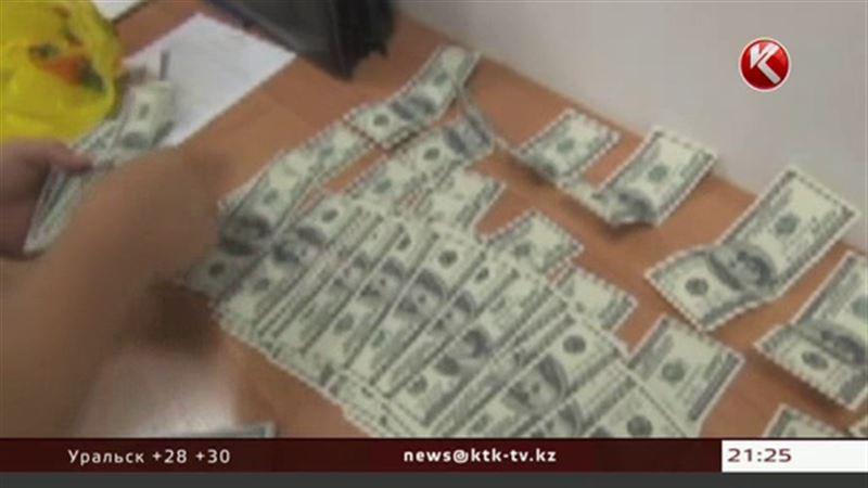 У гражданина Таджикистана обнаружили американскую, узбекскую и малазийскую валюту