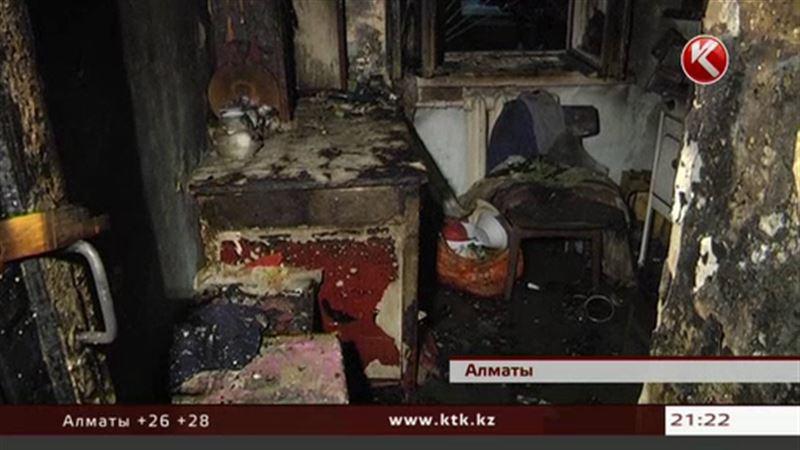 В Алматы загадочным образом сгорела очередная хрущевка