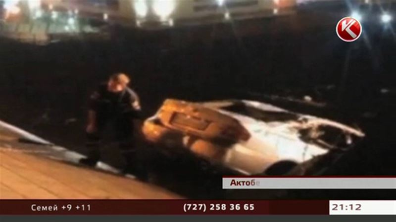 В Актобе в затонувшей машине погибла девушка