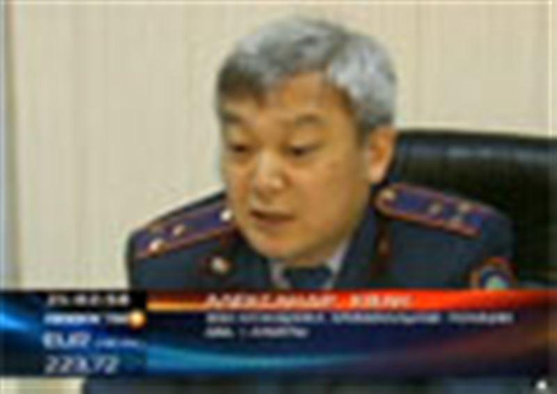 В Алматы действует группировка дерзких автограбителей, элитные внедорожники преступники силой отбирают в центре города среди белого дня