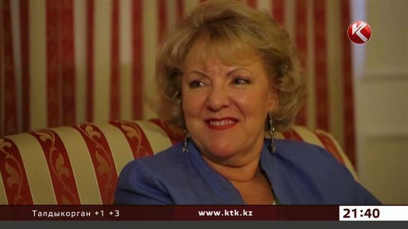Лиз Бурбо научит алматинцев быть счастливыми