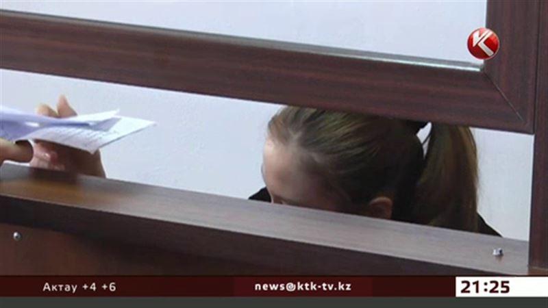 За смерть человека сотруднице атырауского суда дали условный срок