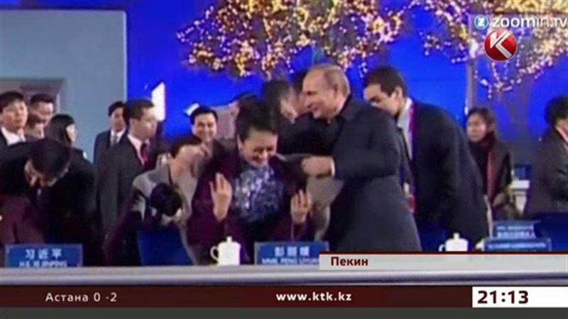 Жест Путина вызвал неоднозначную реакцию