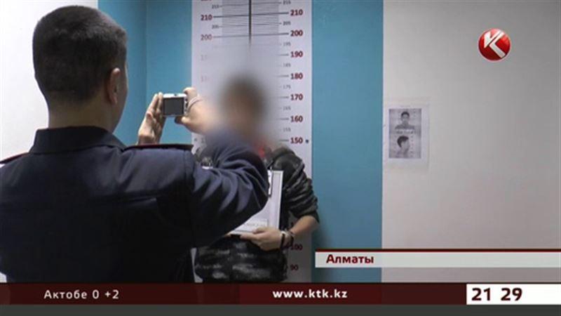 В метро Алматы обнаружили муляж бомбы