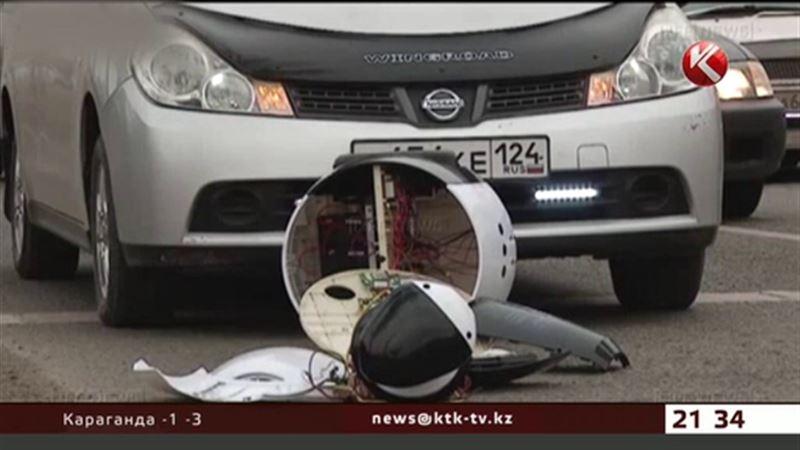 Робот попал под колеса автомобиля