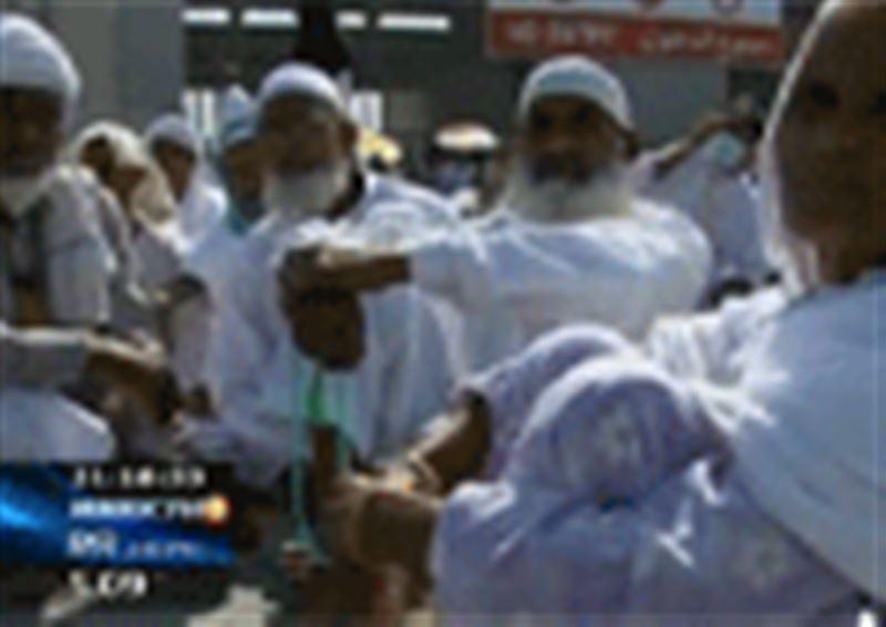 Казахстанские паломники возвращаются из Саудовской Аравии