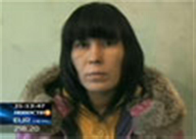 Наживалась на первоклашках: в Алматы задержана мошенница, которая прямо в школах отбирала у детей ценные вещи