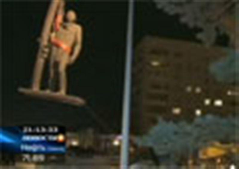 В Павлодаре памятник сменил место жительства