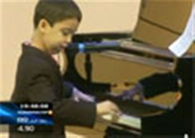 Лос-Анжелесте  9 жастағы пианист Этан Бортниктің жеке концерті өтті