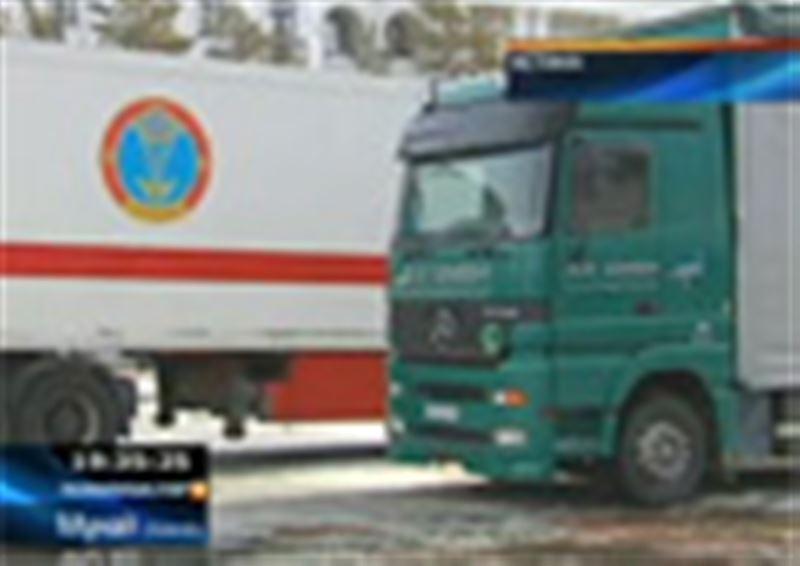 Елордадан Алматы облысына алғашқы гуманитарлық көмек тиелген  үш бірдей жүк көлігі аттанды