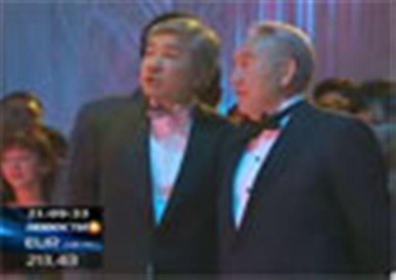 Нурсултан Назарбаев разрешил правительству погулять - в Астане  главный новогодний бал страны