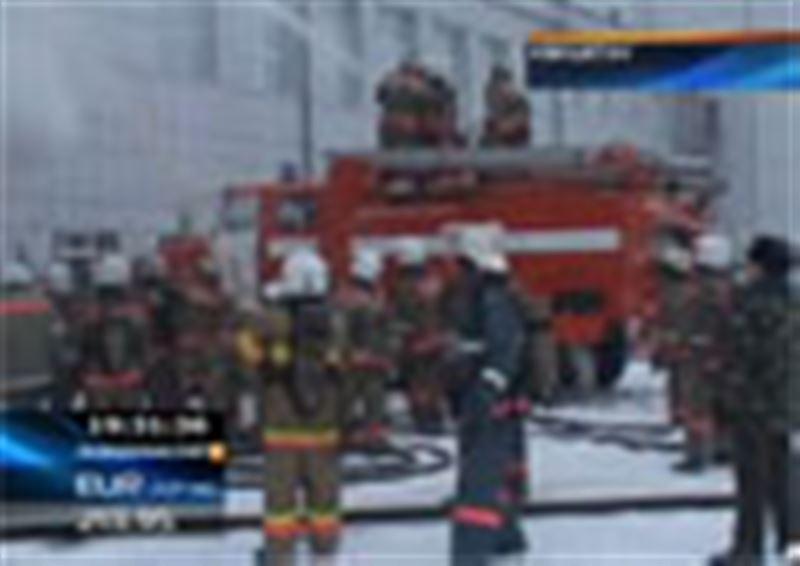 В Кокшетау загорелось одно из самых больших зданий областного центра – Дом культуры