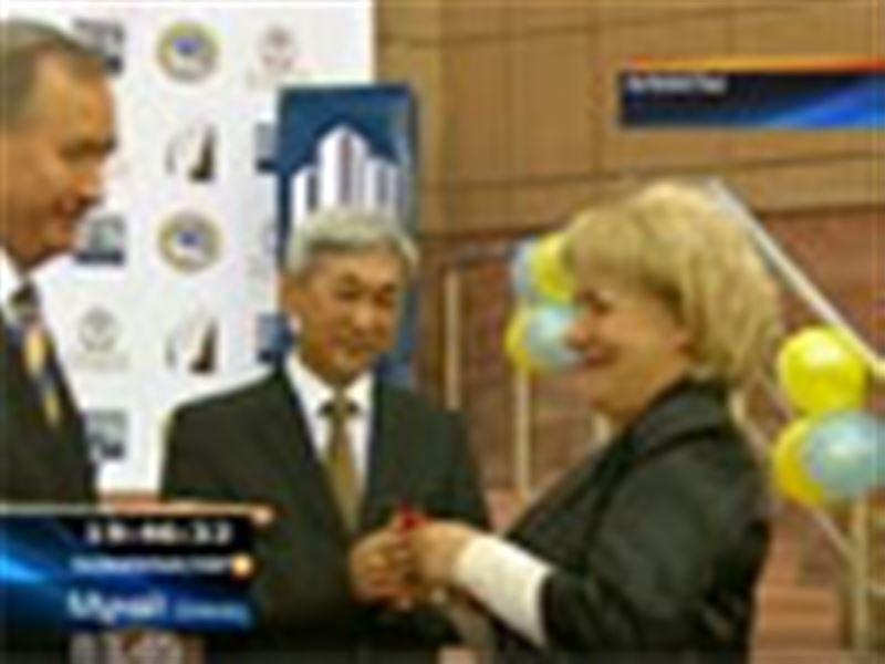 Алматы: 92 үлескер көптен күткен баспанасына қол жеткізді