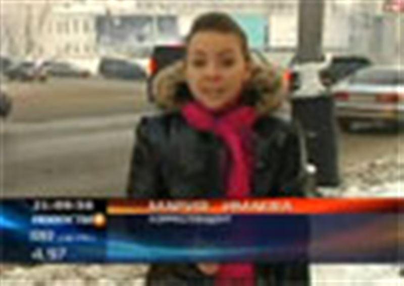 Центральные проспекты Алматы превратились в каток. Городские службы не торопятся отчищать улицы от ледяной корки