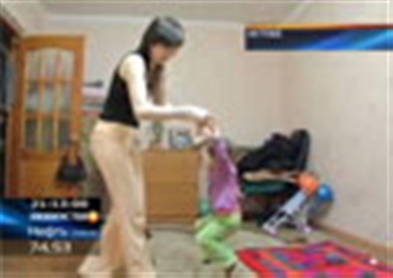 В Актобе на полугодовалого ребёнка  пожаловались в полицию