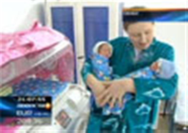 Двойняшки из Семея, которые появились на свет прямо в машине скорой помощи, готовятся к выписке
