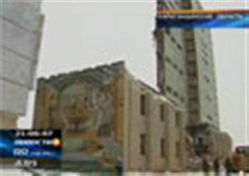 Спасателям удалось обнаружить тело одного из трех человек, пропавших под завалом здания радиолокационной станции «Дарьял-У»