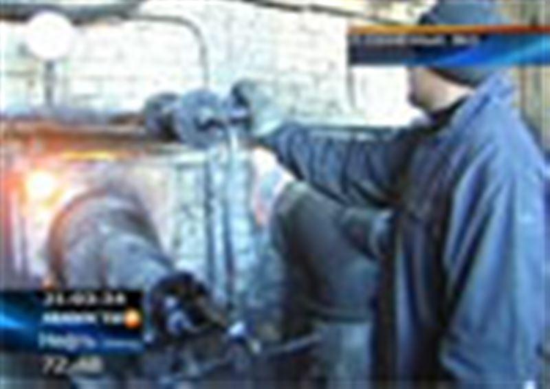 В поселке Солнечный, который уже 18 дней остается без тепла, наконец, приступили к ремонту внутридомовых сетей