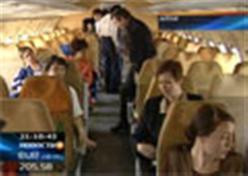 Возбуждено уголовное дело в отношении четырех граждан Казахстана, которых обвиняют в хулиганстве на борту самолета