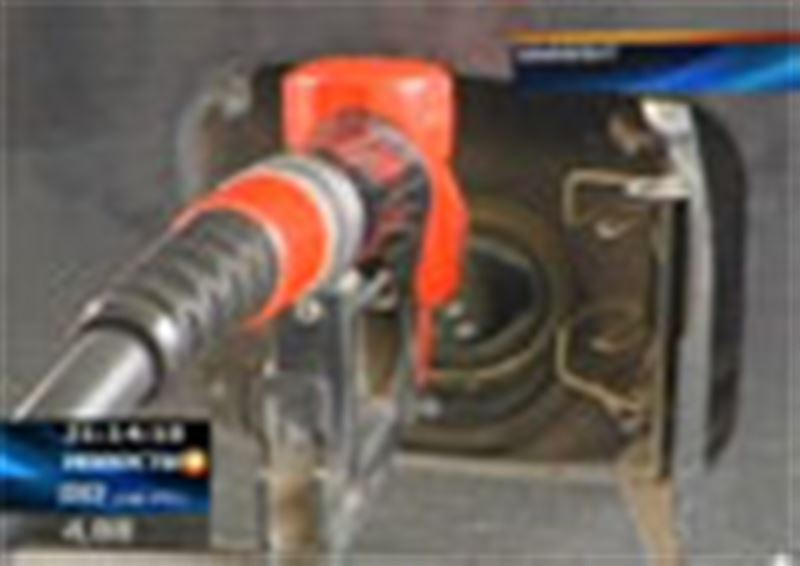 В Шымкенте цены на бензин могли быть намного ниже. Об этом сегодня заявили в Агентстве по защите конкуренции