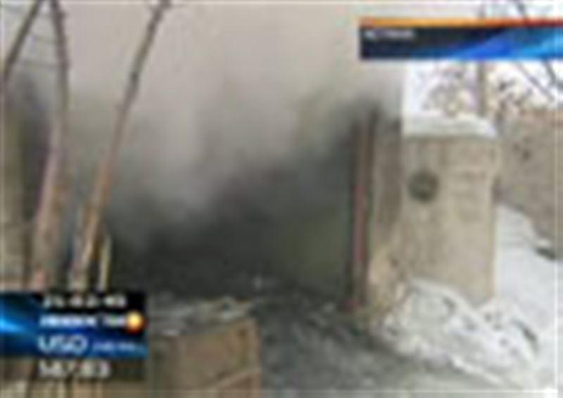 В Астане загорелся бункер, занимающий площадь более полутора тысяч квадратных метров