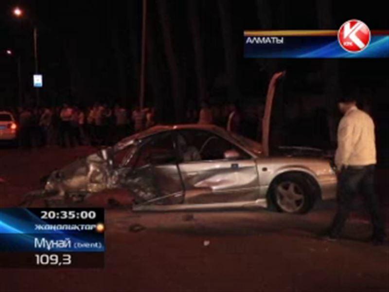 Алматыдағы жантүршігерлік жол апатынан үш адам мерт болды