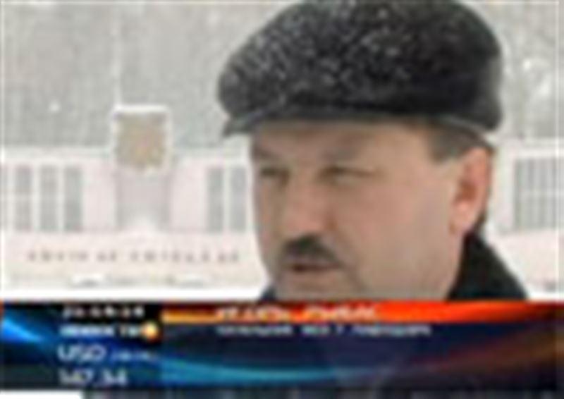 В Павлодаре из-за угрозы взрыва погасили Вечный огонь. И теперь местные чиновники не могут договориться, когда его снова зажгут
