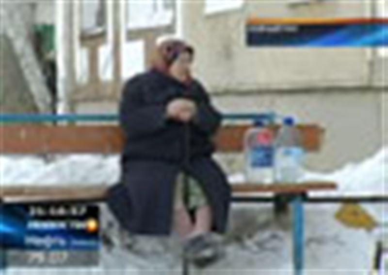В Кокшетау уже третьи сутки устраняют аварию на водопроводе
