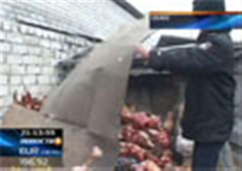 В Семее торгуют протухшим мясом