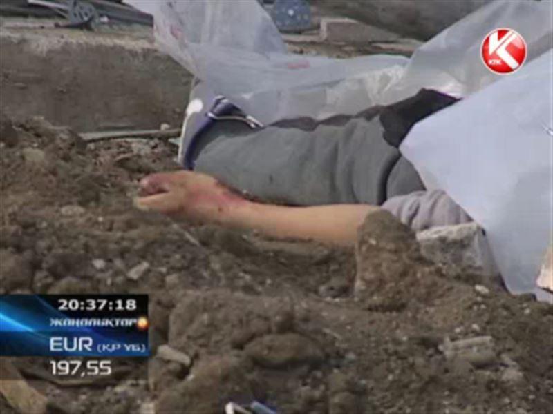Астанада тұрғын үй кешенінің жоғары қабатынан жұмысшы құлап, мерт болды
