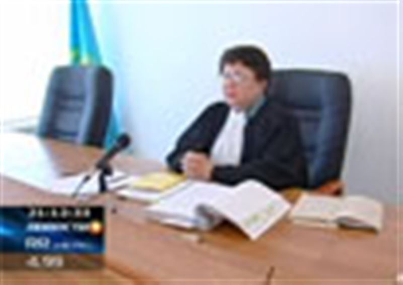 В Есильском районе Акмолинской области с новой силой разгорелся депутатский скандал. В центре борьбы – кресло секретаря районного маслихата