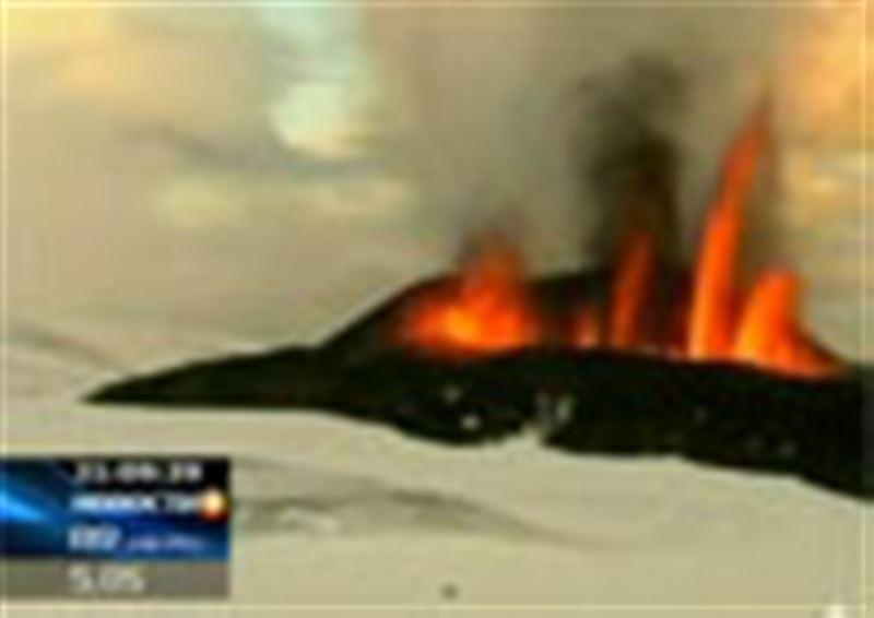 Исландский вулкан уже вторые сутки парализует воздушное сообщение над Европой