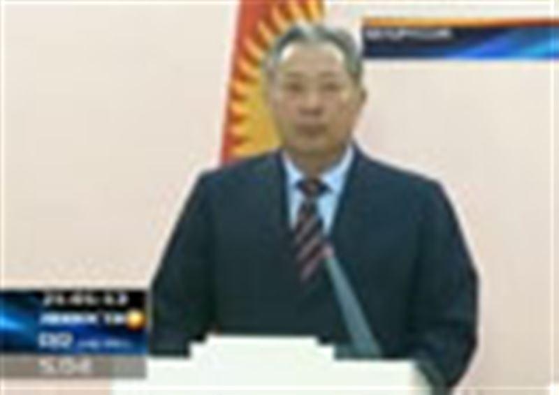 Курманбек Бакиев не признает своей отставки и отказывается слагать с себя полномочия президента Кыргызстана