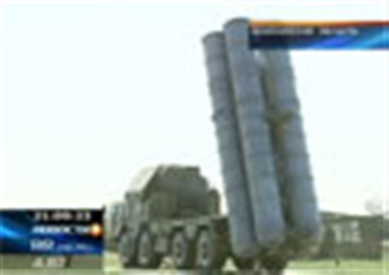 Нурсултан Назарбаев проверил на прочность воздушный щит над Астаной: главе государства показали работу зенитных ракетных комплексов С-300