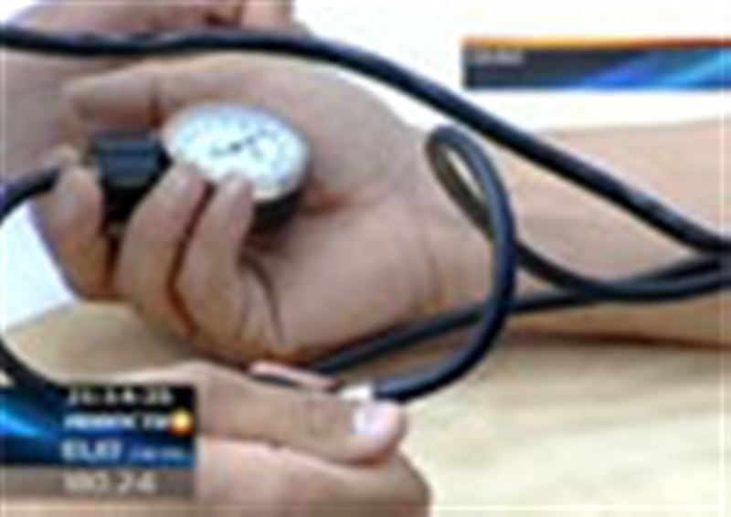 Семей: в ЦОН нагрянула целая бригада врачей