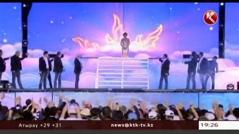 Ретро-фестивальде атақты жұлдыздармен бірге Ахметжан Есімов ән шырқамақ