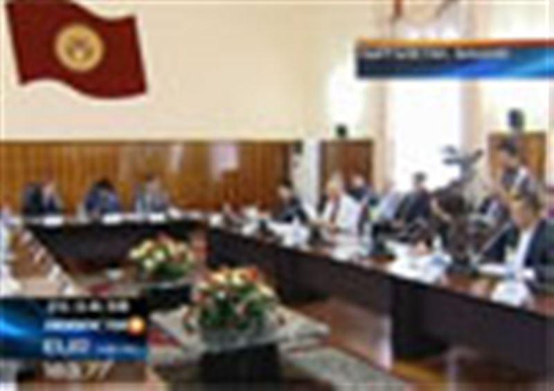В Кыргызстане опубликован окончательный проект Конституции, он будет вынесен на референдум 27 июня
