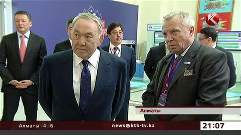 Нурсултан Назарбаев посоветовал молодежи заняться наукой