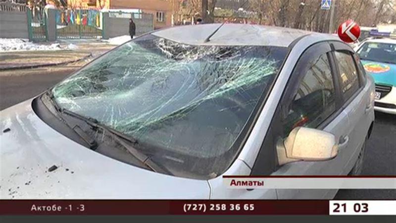 Алматинец сбил пешехода и умер от сердечного приступа