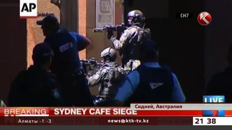 В Сиднее вооруженный мужчина захватил в заложники около 40 человек